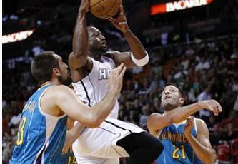 Heat snap 2-game slide, top Hornets 106-90